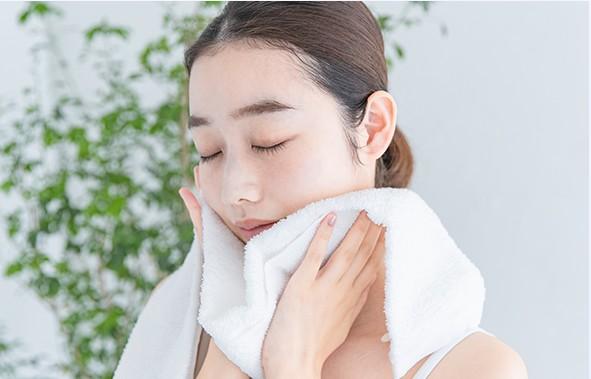 URUONうるおい化粧水 返金保証